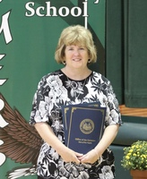 Wood Schools honors retiring Emerson teacher